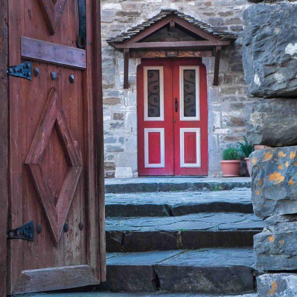 Welcome to the Guesthouse DIAS in Mikro Papigo, Zagorochoria, Greece